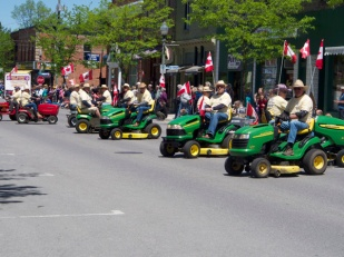 ORO TRACTOR TRAMPS